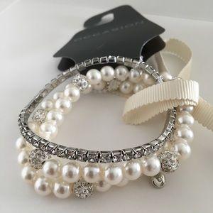 Jewelry - 3 piece rhinestone and pearl bracelet set